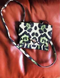 原價~1萬! 全新Givenchy handbag 皮手袋