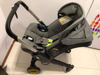 Doona car seat stroller + rain cover