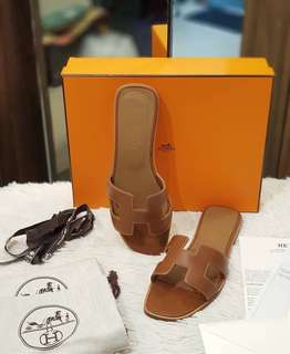 HERMES ORAN S37 ❤️BIG SALE P38k ONLY❤️ With box dustbag receipts Swipe for detailed pics