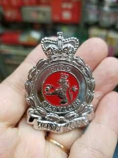 早期皇冠消防帽章另外送一個盒