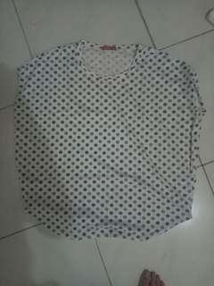 Baju polka dot biru putih big size