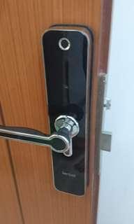 Digital lock installation service
