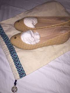 AUTHENTIC TORY BURCH NUDE FLATS: SIZE 8