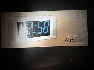 🆕座枱鐘收音機