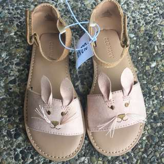 Old Navy Sueded Bny Sandals