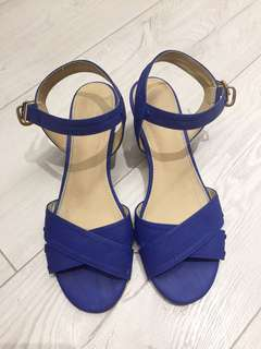 🚚 時尚百搭寶藍楔形涼鞋(23.5)