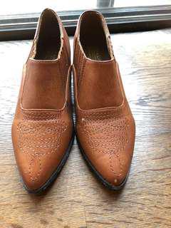 🚚 棕色短筒靴