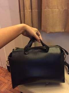 Black Large Hand Bag with Sling