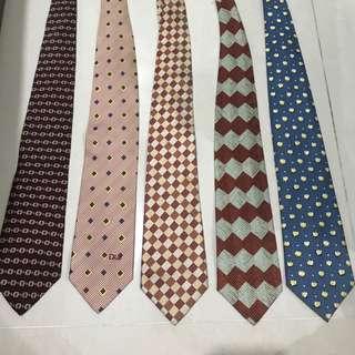 Dasi branded dan original