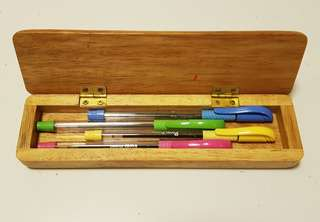 🚚 Pens and wooden case #Caroupay