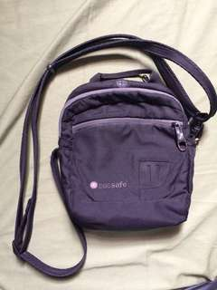 Original pacsafe sling bag