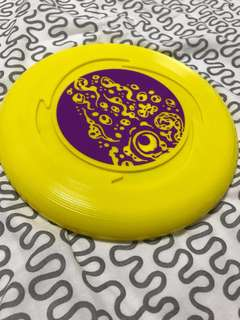 Yellow Frisbee from Canada 🇨🇦