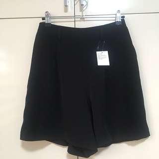Uniqlo women drape shorts in Black