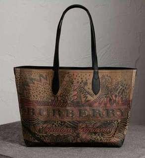 📌Repriced!!! Burberry Reversible Bag