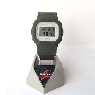 Jam tangan casio g shock DW 5600M custom undefeated strap