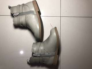 Old navy gray boots