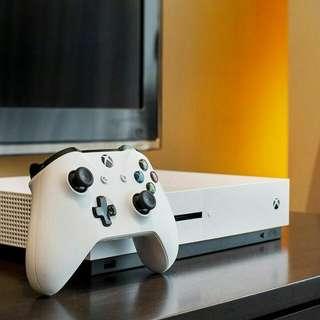 Xbox One S + Dark Soul Remastered中文版 + 4 games + 金會員