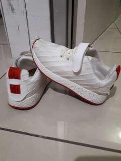 Sepatu anak white