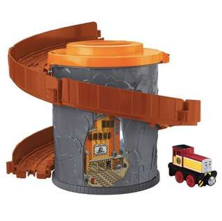 Thomas and Friends Take-n-Play Portable Railway Spiral Tower Tracks