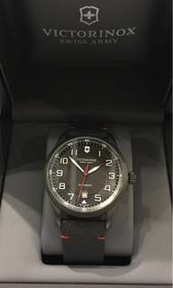 Victorinox Airboss Black Edition全自動手錶