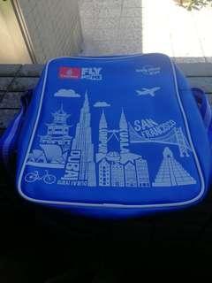 阿聯酋航空兒童孭袋