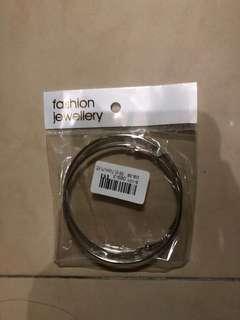 銀色圈圈耳環