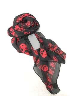 Alexander McQueen silk skull scarf (black)
