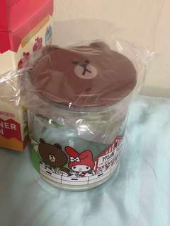 7-11 Brown Container