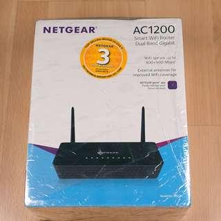 Netgear R6220 AC1200 Smart WiFi Router Dual Band Gigabit