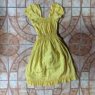 Cute yellow dress ( Used it as a costume for Belle of Beauty & the Beast)