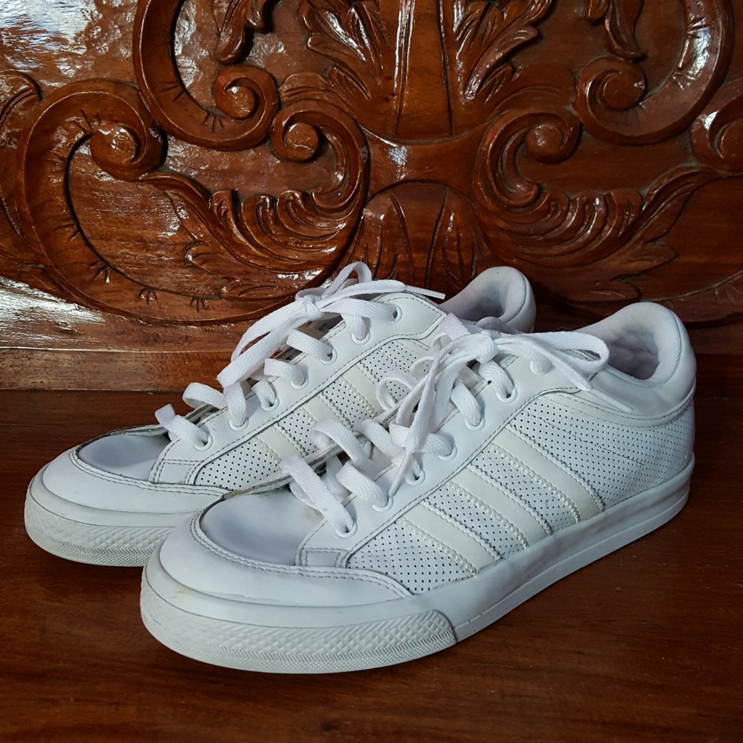 outlet store 7ff39 09389 Adidas Americana White Sneakers, Mens Fashion, Footwear, Sne