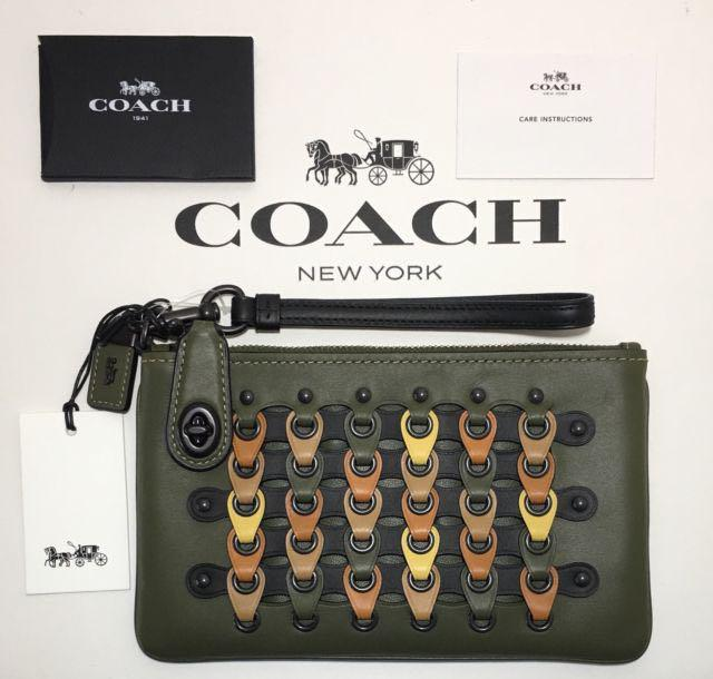 Coach Turnlock Wirstlet 21 in Coach Link Glovetanned Leather