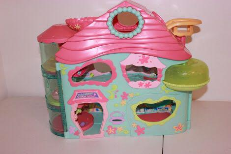 Hasbro biggest little pet shop play house (DISCONTINUED)