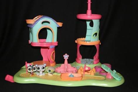 Littlest pet shop whirl around playground play set