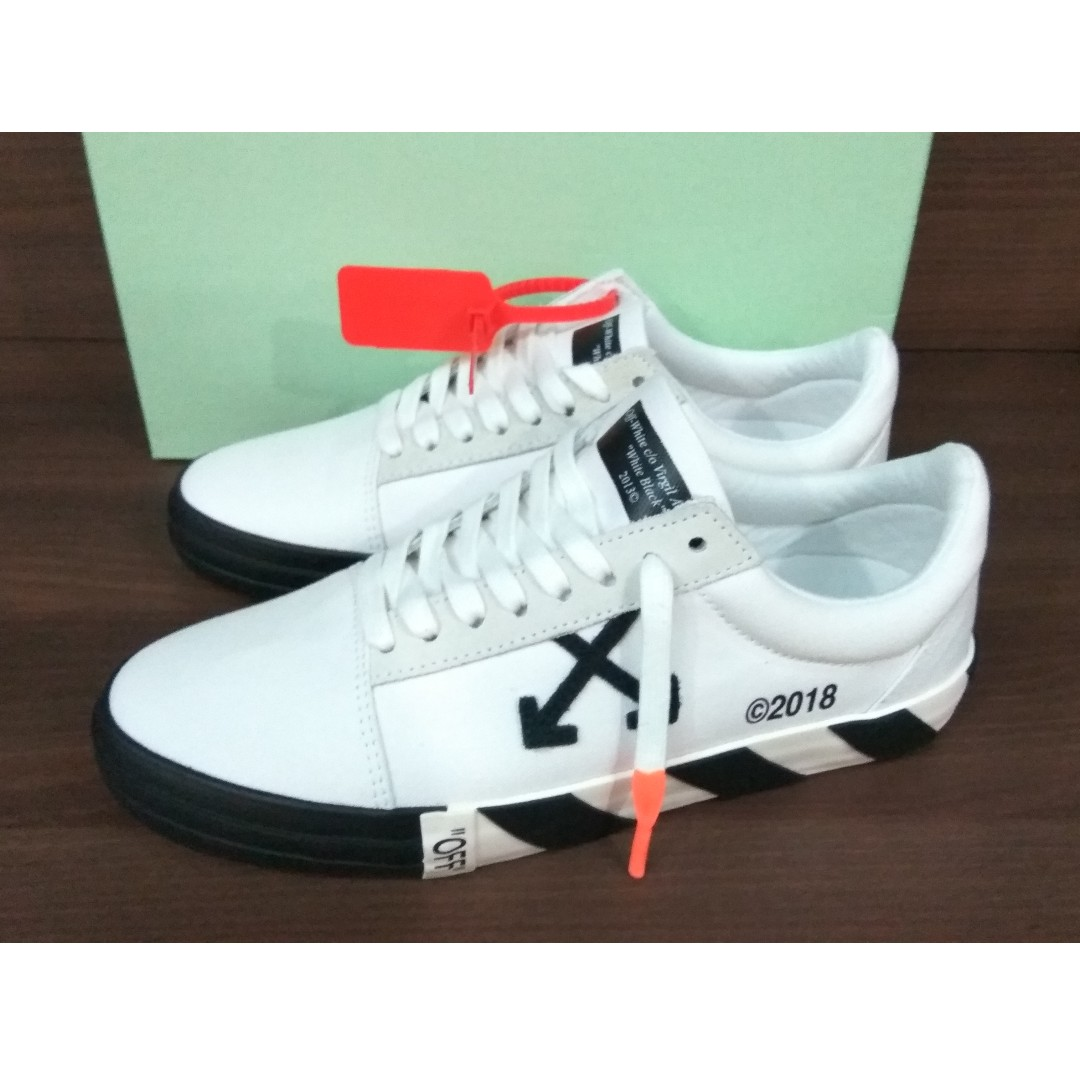 f8a776782cf0 Off-White Vulc Low Top Sneakers