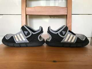 Adidas US 9 K / EU 27 size black grey gray sandals shoes