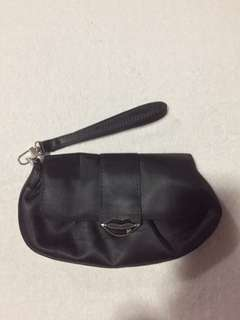 80% off! 🎉Pre-loved authentic XOXO black wristlet (small)