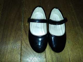 Black shoes/school shoes for kids