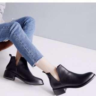 🚚 真皮側V短靴
