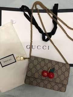 Gucci GG supreme Mini bag with cherries