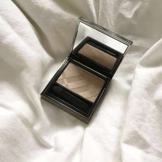 Burberry Wet & Dry Silk Shadow 102 Pale Barley