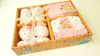 PIGEON (JAPAN) New Born Baby Girl Clothes Gift Set