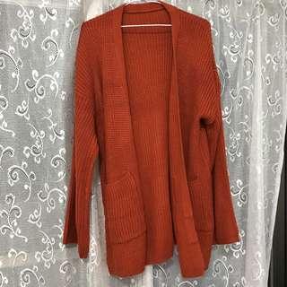 🚚 橘紅色的針織外套