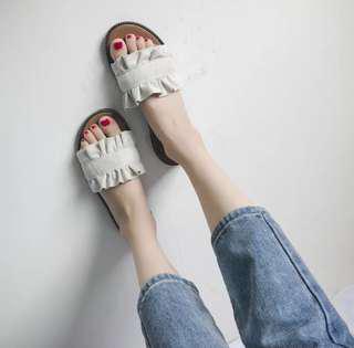 B101 slipper sandal
