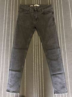 BLACK WASH SPRAY ON SKINNY JEANS