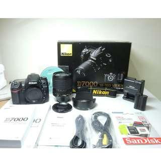 Nikon D7000 (Body+Lens)