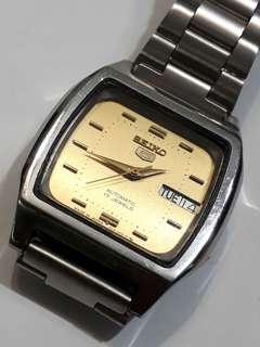 (R)SEIKO 5 Automatic Watch Bezel 35mm  21 jewels