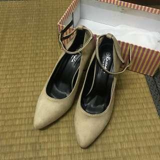 🚚 杏色高跟鞋 絨布 37號