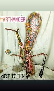 🚚 Art Hanger