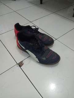 Sepatu Futsal PUMA EvoPower 4